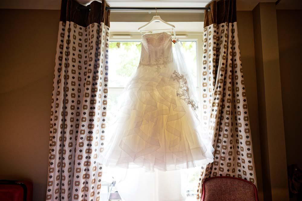 simple-intimate-wedding-castle-003-jpeg
