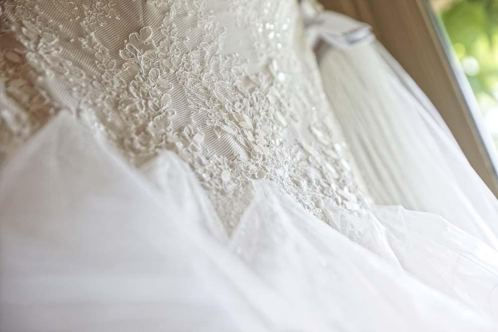 simple-intimate-wedding-castle-004-jpeg