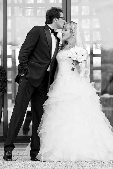 simple-intimate-wedding-castle-059-jpeg