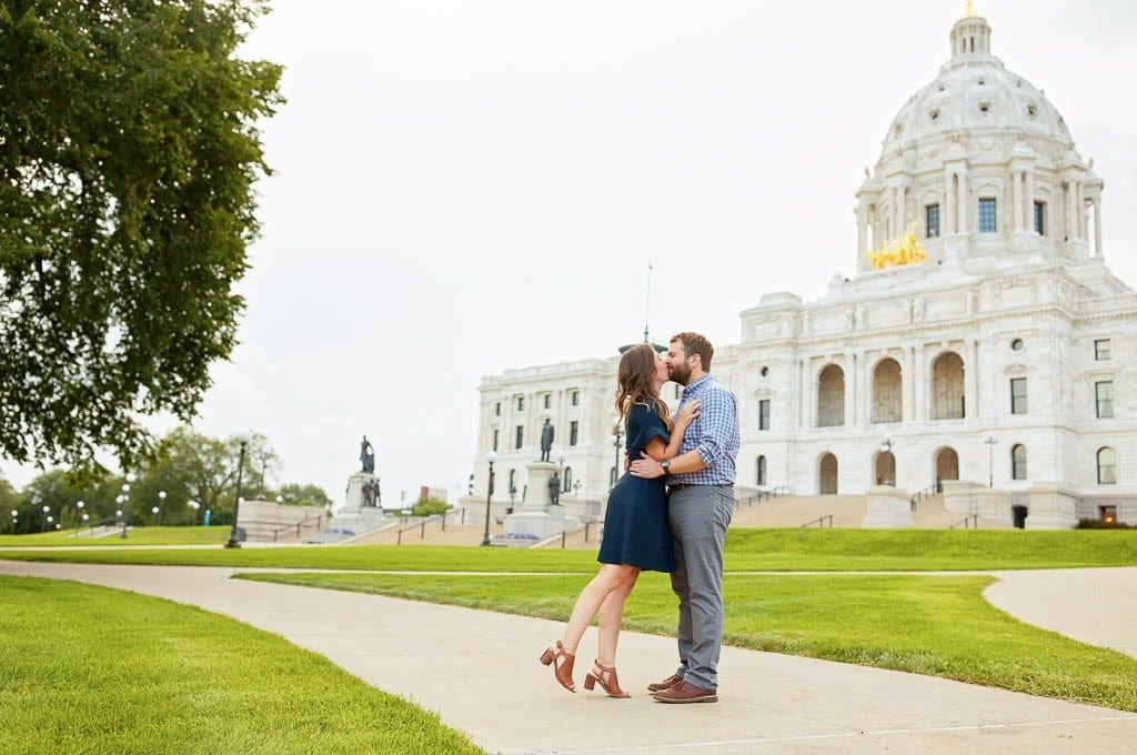 Couple Kissing in Front the senate and house of representatives