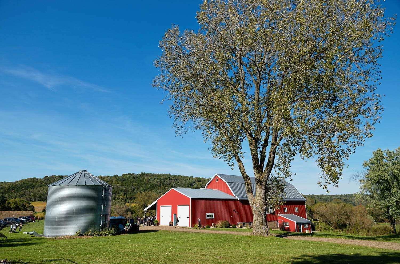 Bullard-Creek-Barn-Red-Wing-Wedding-