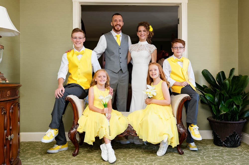 familly portrait yellow