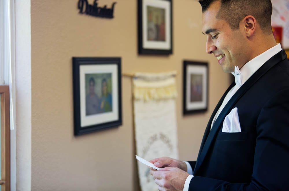 groom reading surprise letter