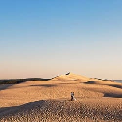 couple session with amazing dune landscape