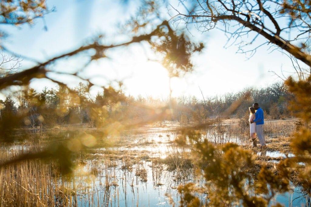 falls photoshot in amazing landscap sunset couple hugging